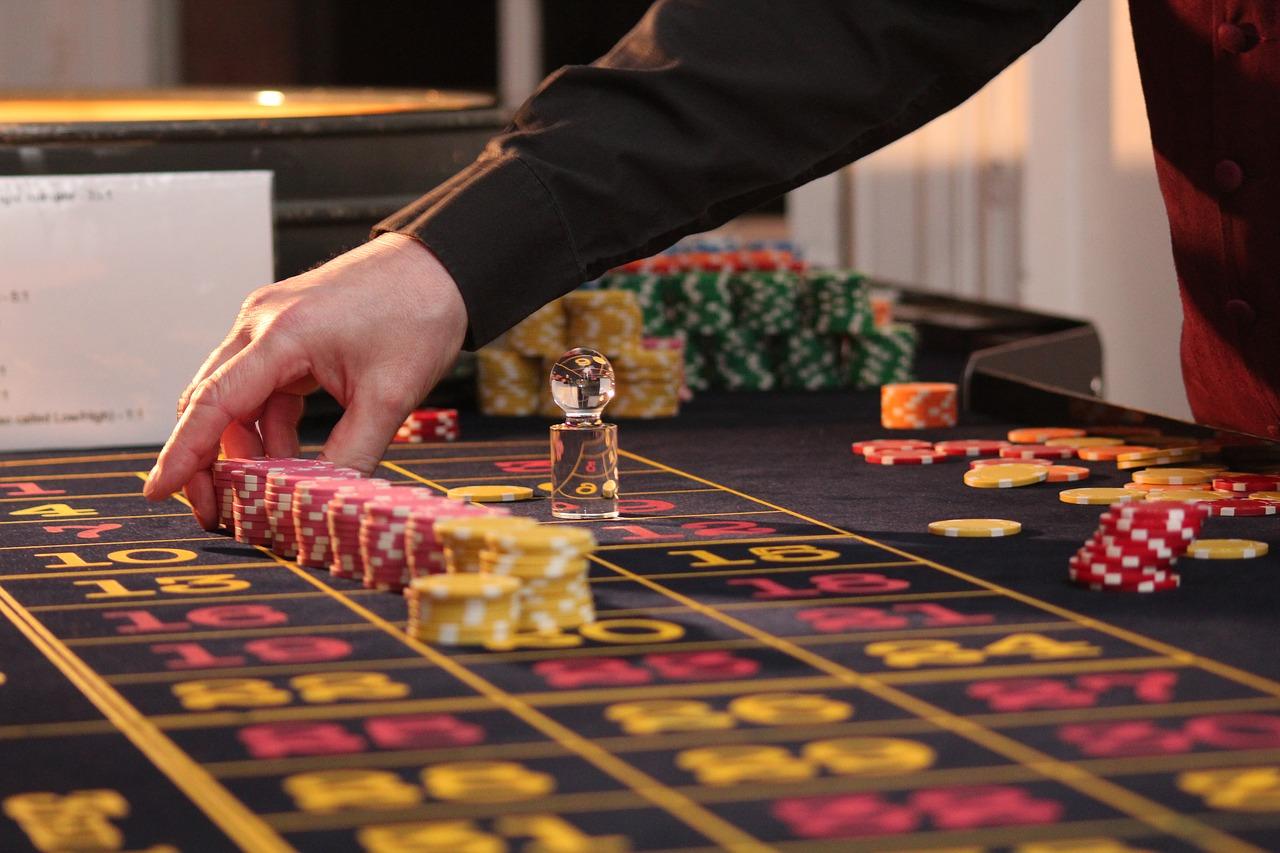 apuestas en mesa de ruleta de casino